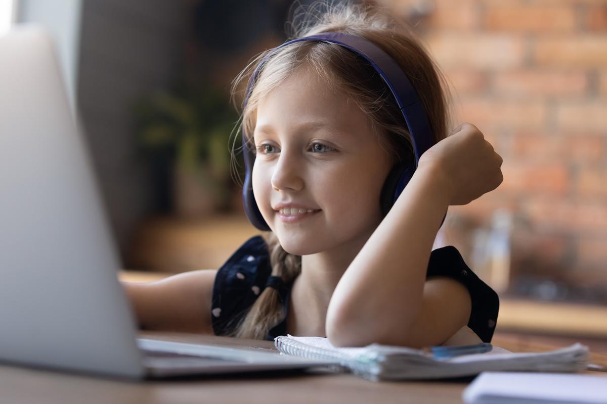"""【まとめ】「子ども向けオンライン英会話」ってどう?英会話講師が教える""""選び方""""のポイント"""